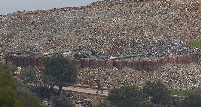 Artillería turca en la región siria de Afrín