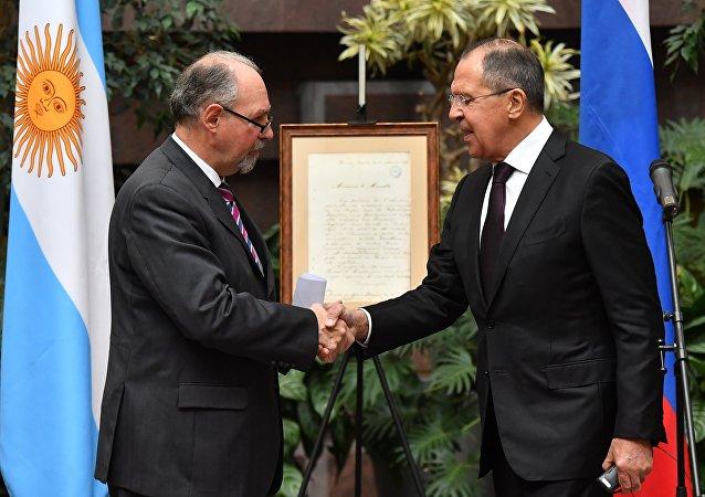 Embajador argentino en Rusia, Ricardo Lagorio y ministro ruso de Asuntos Exteriores, Serguéi Lavrov