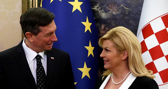 Borut Pahor, presidente de Eslovenia, y Kolinda Grabar Kitarovic, presidenta de Croacia, en Brdo, Eslovenia, 13 de enero de 2018