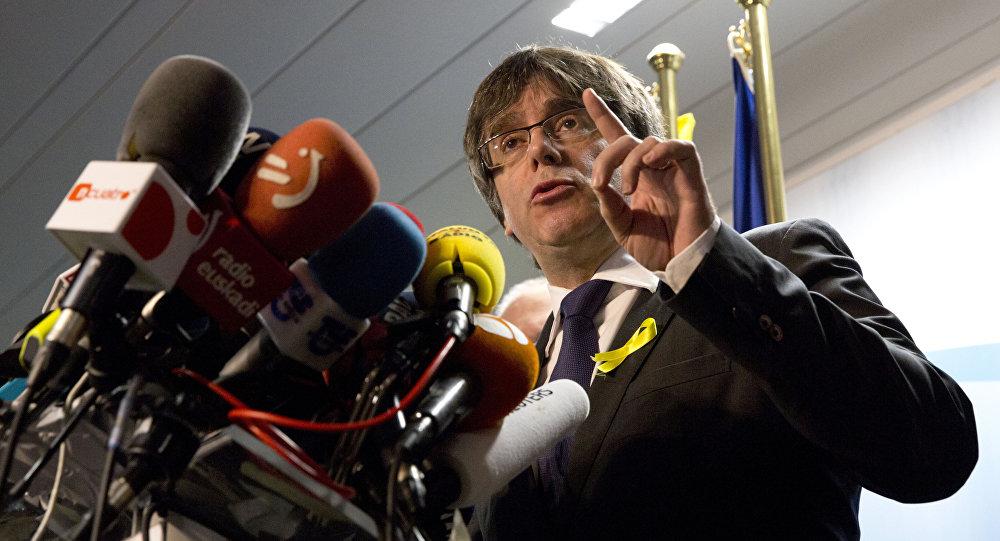 Rechaza Parlamento plan de Puigdemont
