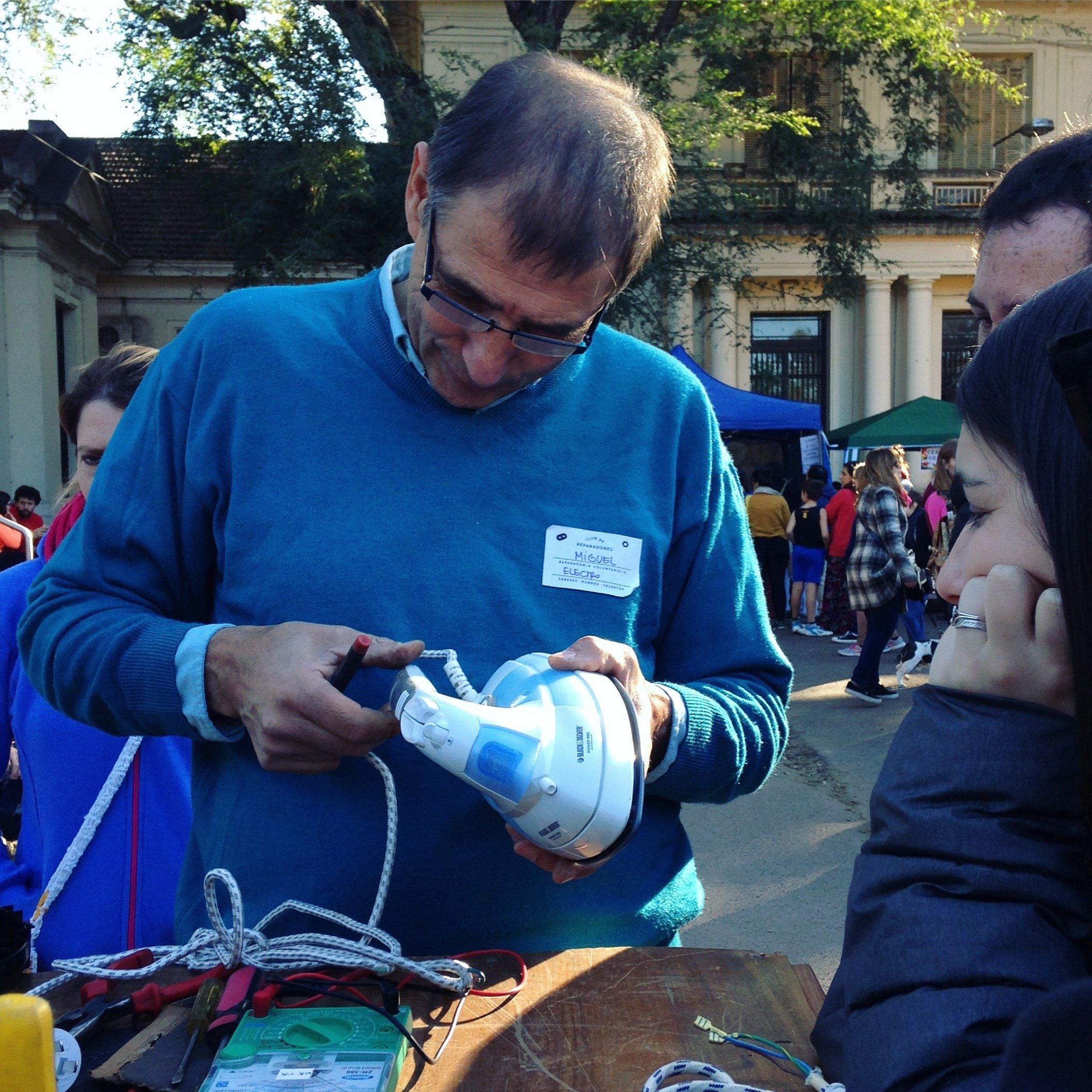 Sesión en el Club de Reparadores en Argentina
