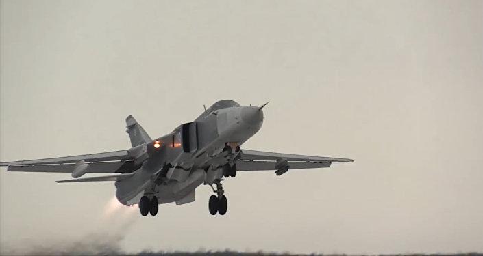 Los cazas MiG-31 y los bombarderos Su-24 en pleno vuelo ártico