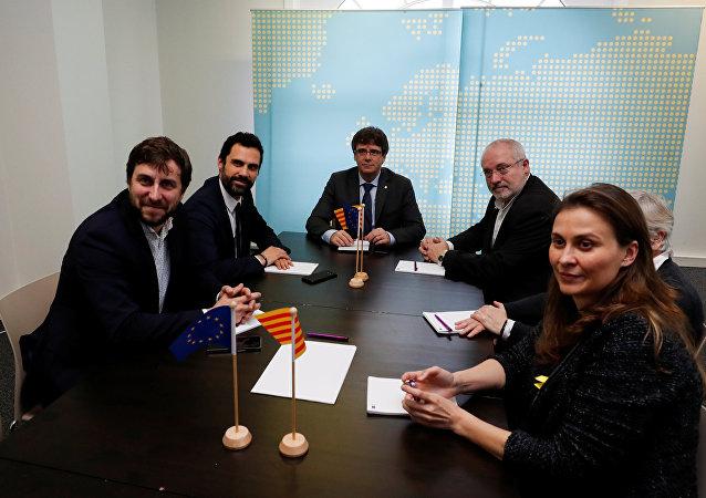 Los diputados catalanes huidos junto al expresidente de Cataluña, Carles Puigdemont