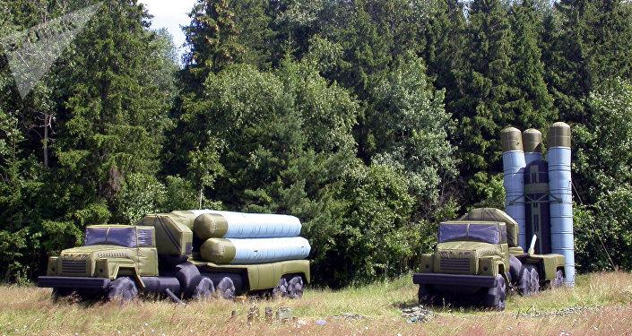 Carros de combate rusos inflables