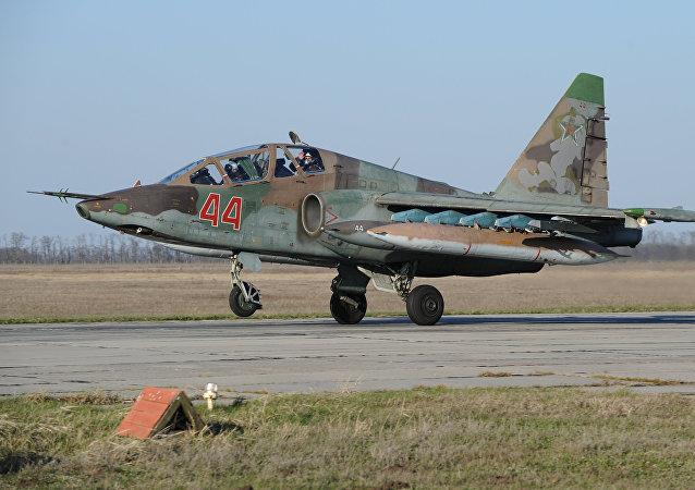 Avión de asalto ruso Su-25 que regresó de Siria
