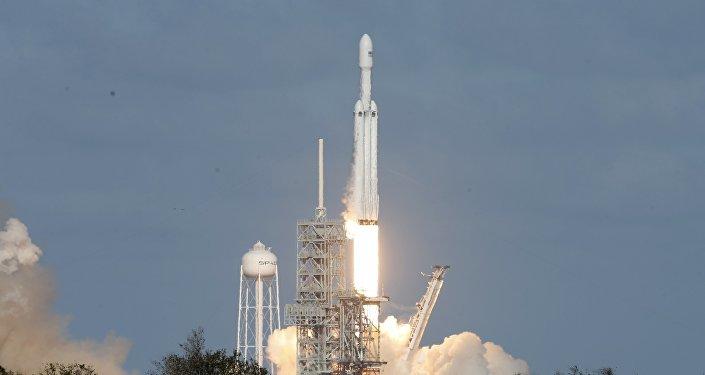 Lanzamiento del cohete Falcon Heavy