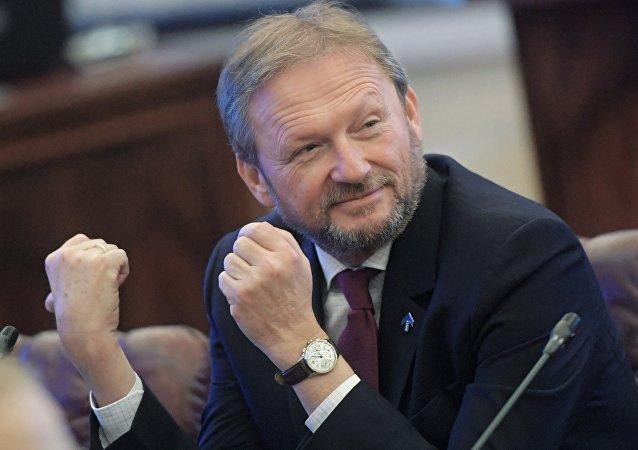 Borís Titov, Defensor del Empresario ruso
