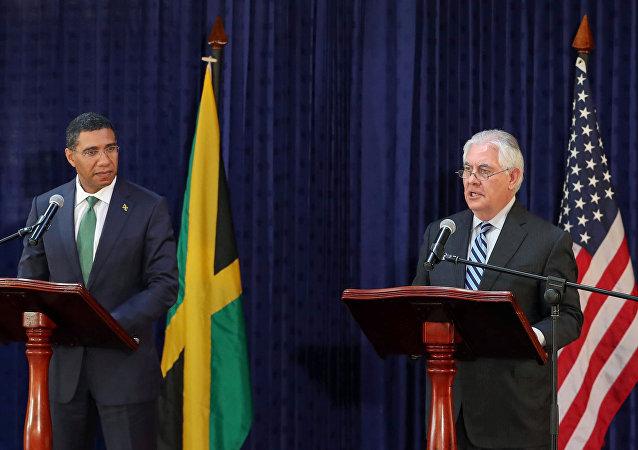 Primer ministro de Jamaica, Andrew Holness, y secretario de Estado de EEUU, Rex Tillerson