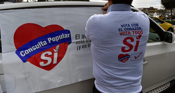 Ecuador: lanzan basura y pintan autos de Rafael Correa [FOTOS]