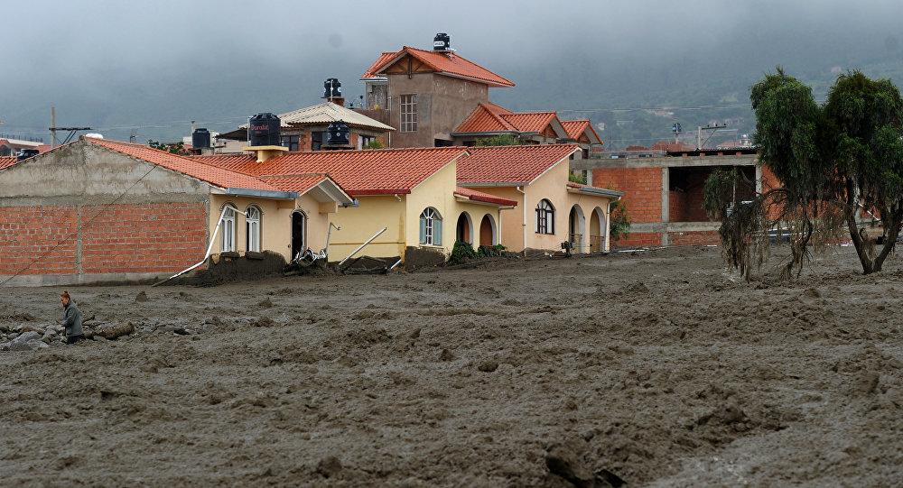 Oficialmente hay tres muertos y cinco desaparecidos por inundaciones