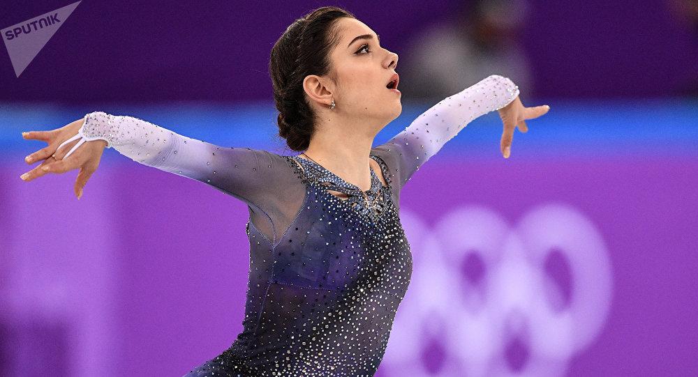 Patinadora rusa Medvédeva establece récord mundial en JJOO de ...