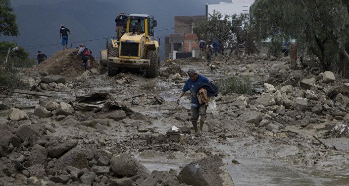 Zavaleta: seis departamentos sufren el desborde de ríos