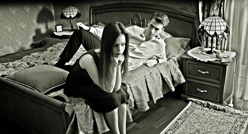 Una pareja está peleando, imagen referencial