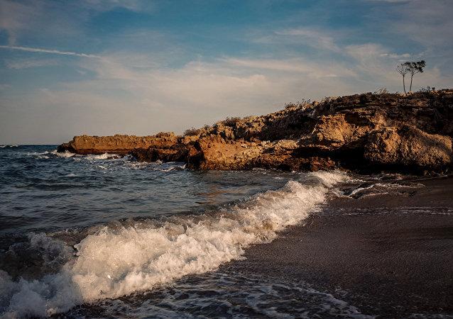 La costa de Chipre, en el mar Mediterráneo