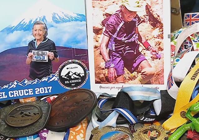 Esta mujer de 83 años está lista para escalar la montaña más alta de América