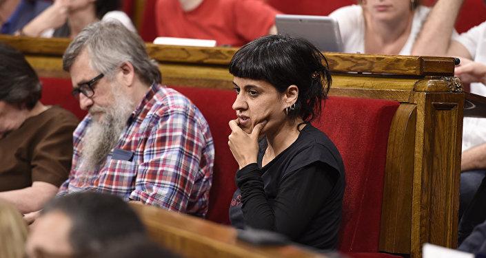 La Fiscalía pide la detención de la independentista catalana Anna Gabriel