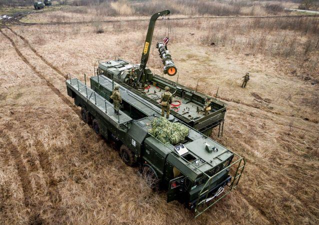 Misiles contra los enemigos: los ejercicios del sistema Iskander-M