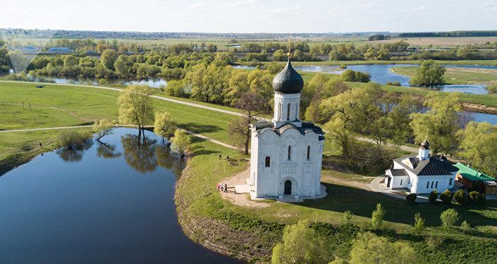La Iglesia de la Intercesión de la Santísima Virgen en el río Nerl, en la región rusa de Vladímir