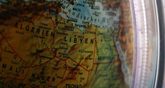 Un mapa de Libia en un globo (imagen referencial)