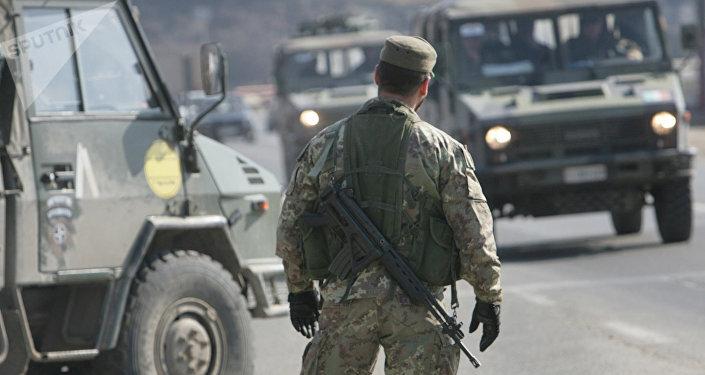 Un soldado en Kosovo (archivo)