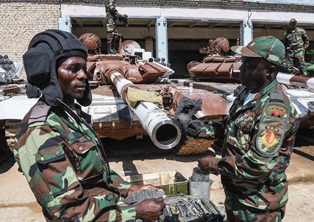 Los militares de Angola