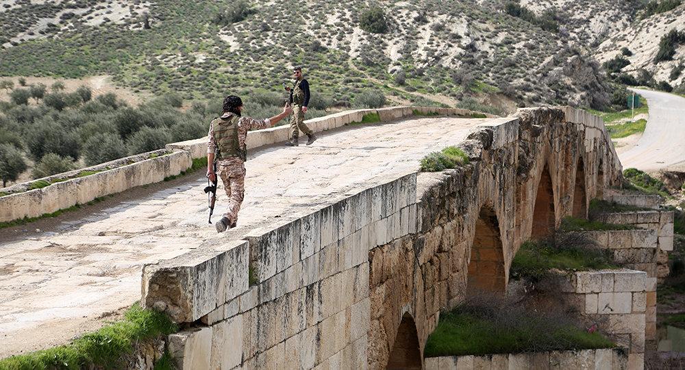 Combatientes del opositor Ejército Libre Sirio, apoyado por Turquía