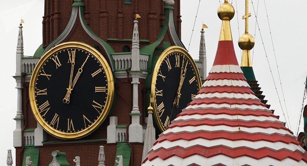 El reloj del Kremlin de Moscú, Rusia