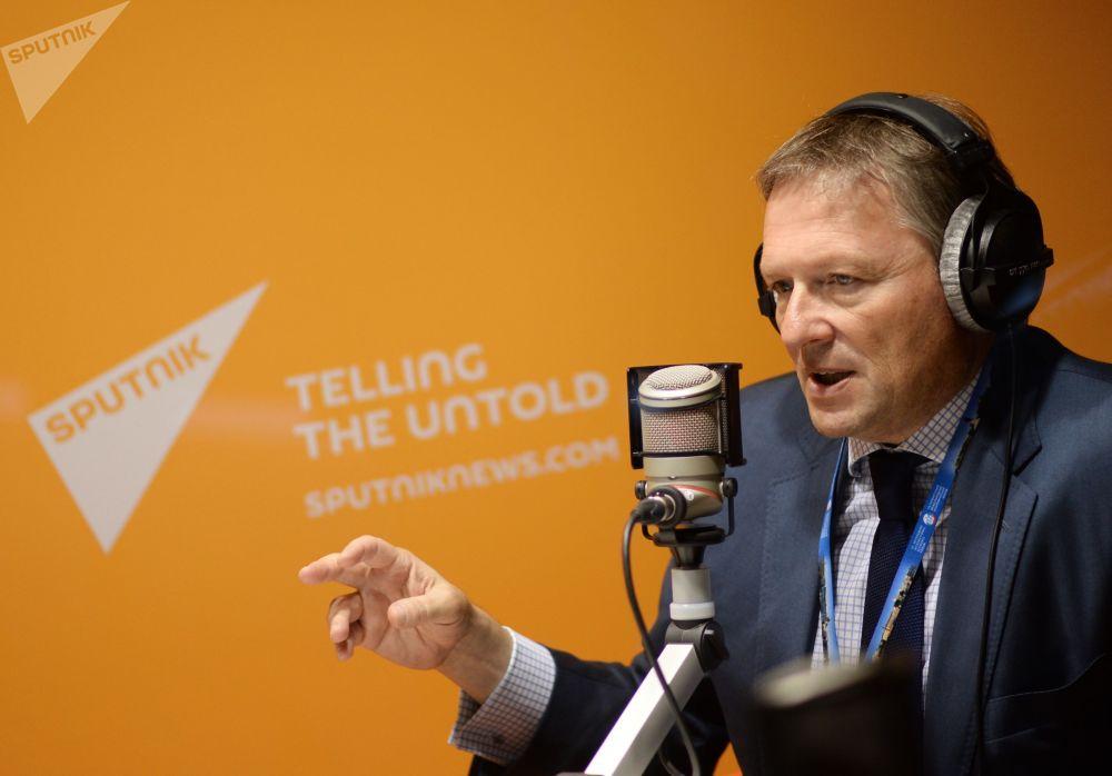 El Defensor del Empresariado ruso, Borís Titov, en el estudio de radio Sputnik en el XIX Foro Económico Internacional de San Petersburgo