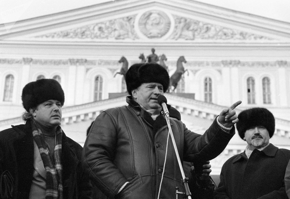 El líder del Partido Liberal Demócrata de Rusia, Vladímir Zhirinovski (en el centro), durante un mitin