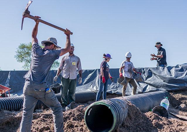 Tubos de ventilación aislamiento espuma - escuela sustentable Mar Chiquita - Argentina