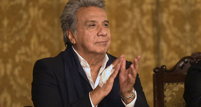 Lenín Moreno reportó posible problema técnico en el avión presidencial