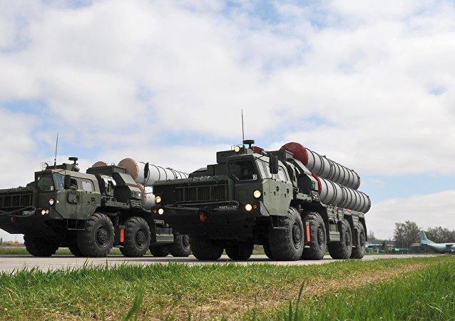 Sistemas de misiles S-400 (archivo)