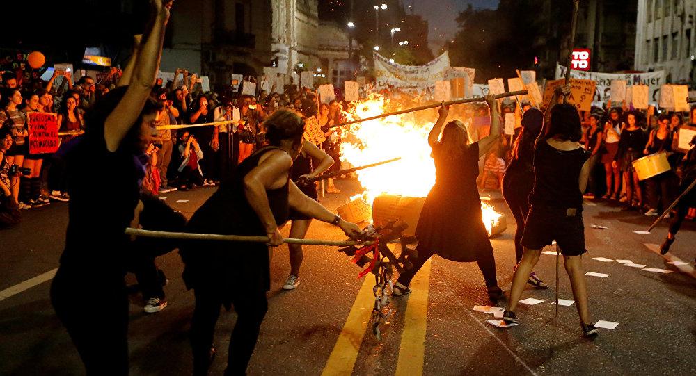 La movilización de mujeres en Montevideo