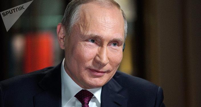 Vladímir Putin, presidente de Rusia, durante la entrevista con la cadena televisiva estadounidense NBC, Kaliningrado, Rusia, 2 de marzo de 2018