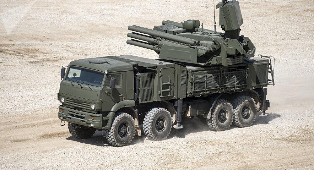 El sistema de misiles y de artillería antiaérea rusos Pantsir