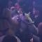 Una mujer semidesnuda sobre un caballo genera caos en una discoteca de Miami