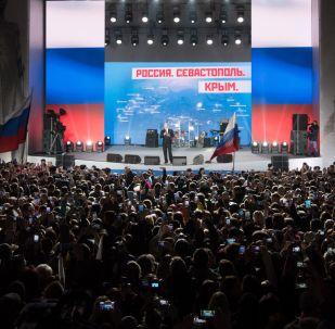 Президент РФ Владимир Путин выступает на концерте-митинге Россия. Севастополь. Крым в Севастополе