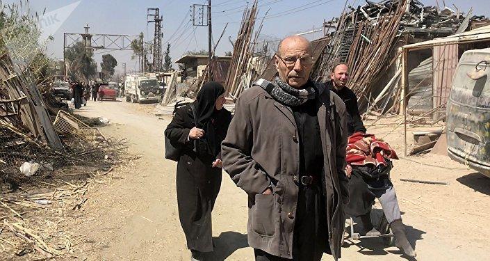 Los civiles abandonan el suburbio de Damasco de Guta Oriental (archivo)