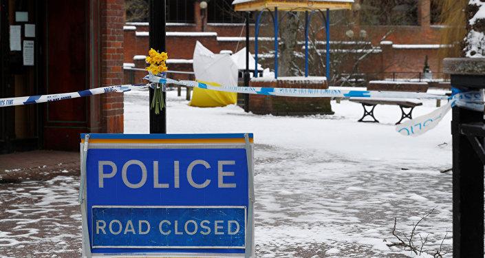 La cinta del sitio de crimen en Salisbury, el Reino Unido