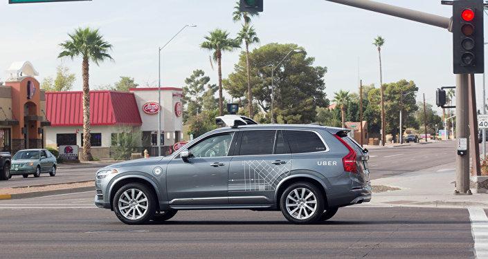 Un vehículo autónomo Volvo de la empresa Uber