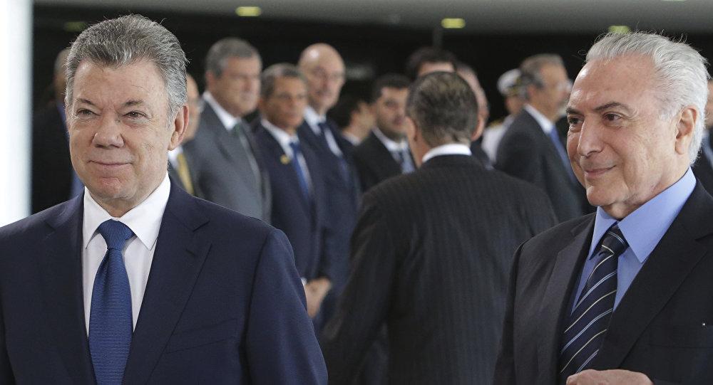 El presidente de Colombia, Juan Manuel Santos, y el presidente de Brasil, Michel Temer