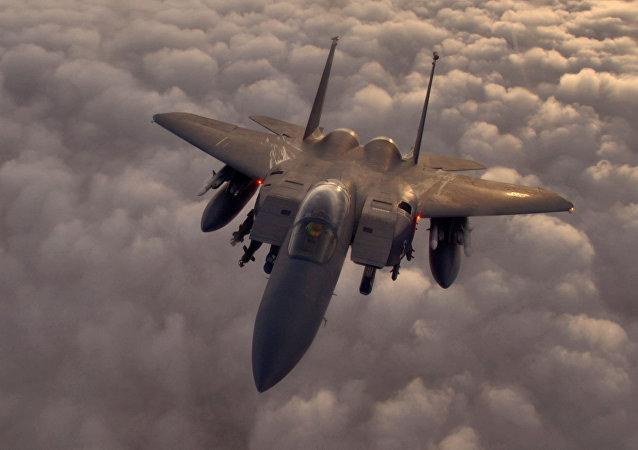 Un caza F-15 de fabricación estadounidense (imagen referencial)