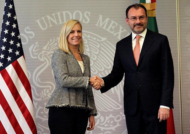 Secretaría de Seguridad Interna de EEUU, Kirstjen Nielsen, y canciller de México, Luis Videgaray
