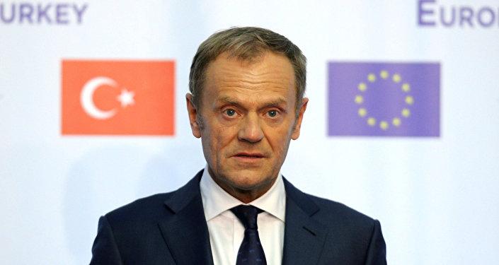 El presidente del Consejo Europeo, Donald Tusk, asiste a una conferencia de prensa en Bulgaria