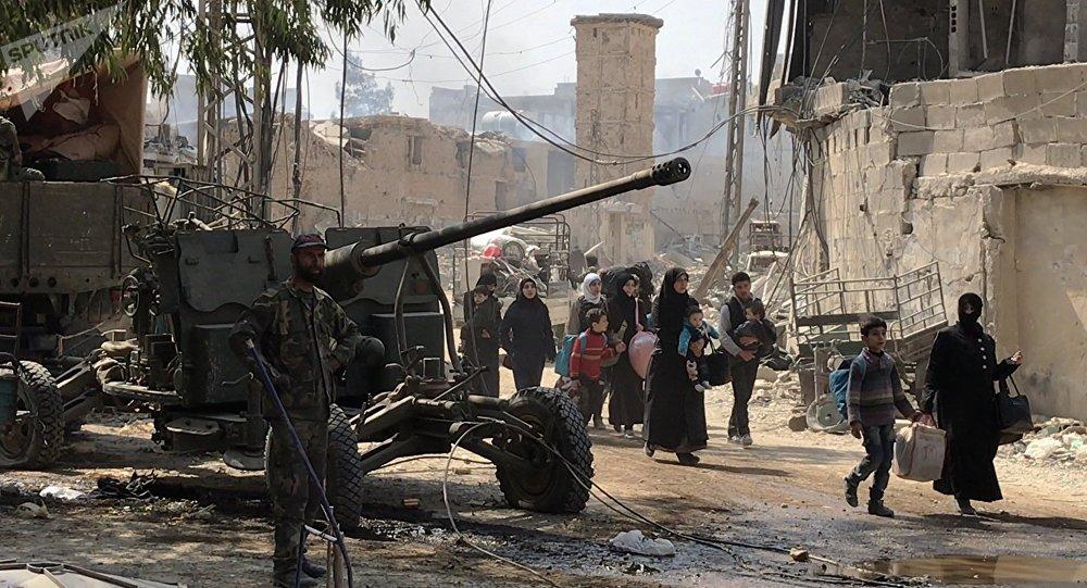 Los civiles abandonan Guta Oriental