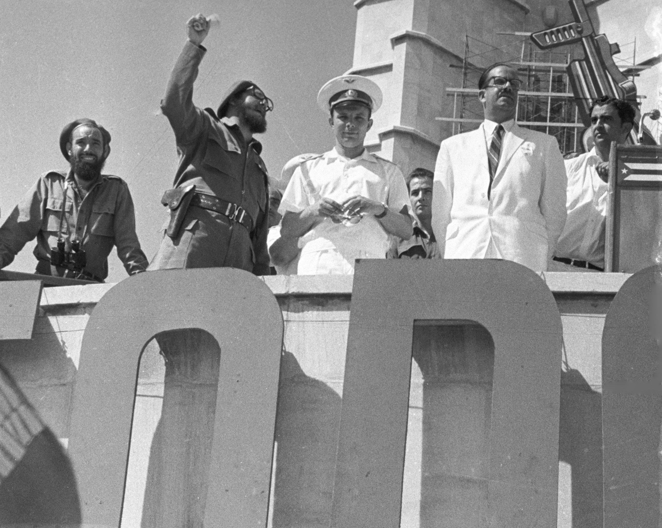 Fidel Castro y Yuri Gagarin en la Plaza de la Revolución