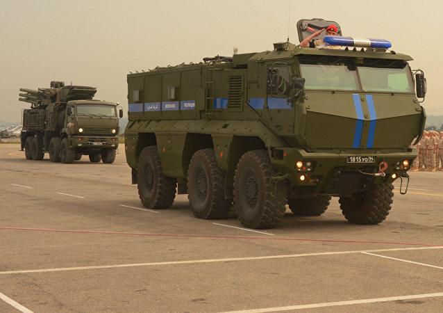 Vehículos blindados rusos Taifun en la base aérea de Hmeymim