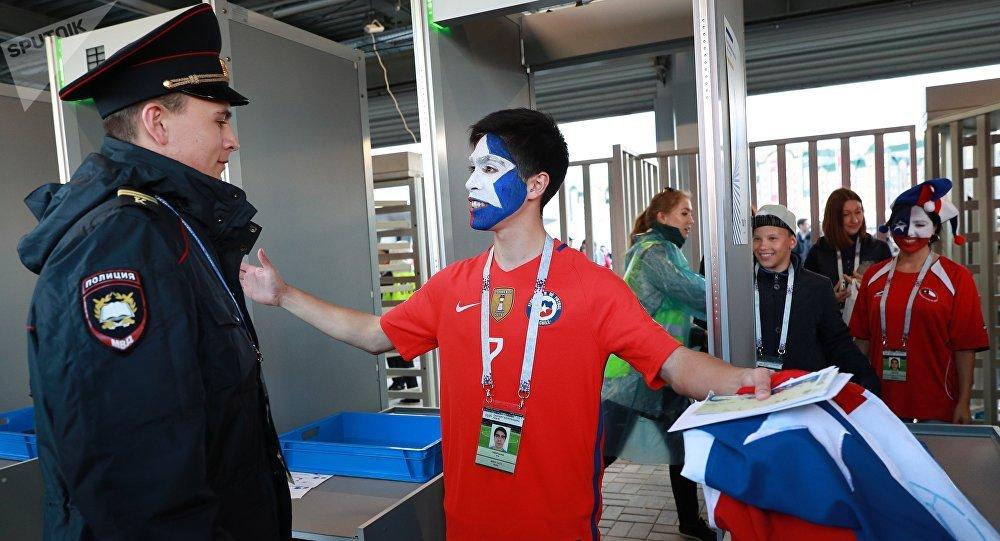 Un policía ruso en un estadio (archivo)