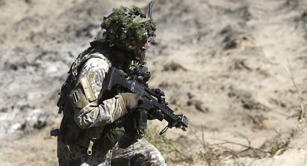 Un militar de la OTAN (archivo)