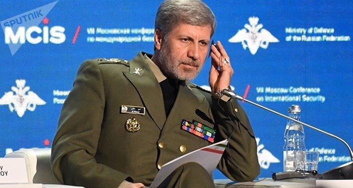 Amir Hatami, у ministro iraní de Defensa
